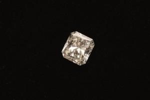Subasta Julio 2013. Lote nº 122: Diamante talla radiant de 1,02 cts. Foto: Durán Arte y Subastas.