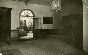 Zaguán, 1924. Fotografía: Hauser y Menet. Cortesía: Museo del Romanticismo, Madrid.
