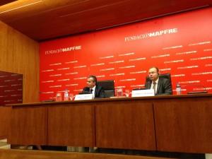 Pablo Jiménez Burrillo, Director del Área de Cultura de la FUNDACIÓN MAPFRE, y el comisario de la exposición Clément Chéroux durante la presentación a los medios en Madrid. Foto Durán Arte y Subastas, Junio 2014.