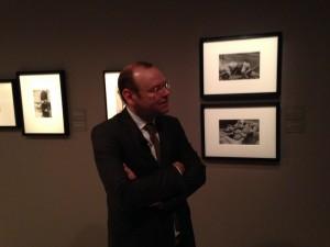El comisario de la exposición Clément Chéroux, durante la presentación a los medios. Foto Durán Arte y Subastas, Junio 2014.