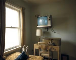 Stephen Shore, Habitación 125, Westbank Motel, Idaho Falls, Idaho, 18 de julio de 1973. De la serie Uncommon Places. Cortesía Fundación Mapfre.