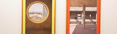 Rodrigo Oliveira. En busca de la utopía (estado actual), 2014-2015. Impresión fotográfica sobre papel de acabado artístico montado en pvc, plexiglás pintado y marco de madera, 186 x 130 x 8 cm. Itinerarios XXI. Fundación Botín, Santander. Cortesía: Fundación Botín, 2015.