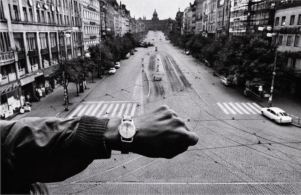 Mano y reloj de pulsera, Josef Koudelka, 1968. Fundación Mapfre, Madrid, 2015.