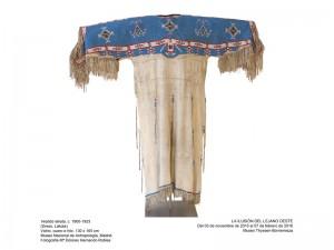 Vestido lakota, 1900-1923. Museo Thyssen-Bornemisza, Madrid, 2015.