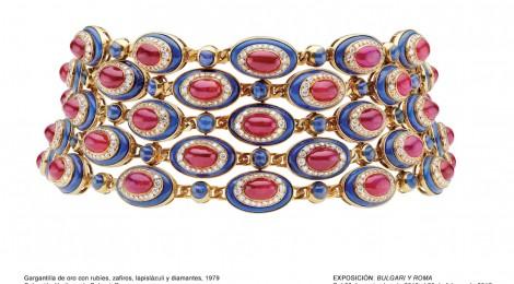 Gargantilla de oro con rubíes, zafiros, lapislázuli y diamantes, 1979. Colección Heritage de Bulgari, Roma. Cortesía: Museo Thyssen-Bornemisza, Madrid. 2016.