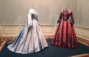 Trajes, La moda romántica, 1865-1868. Cortesía: Museo del Romanticismo, Madrid, 2017.