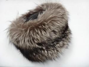 Lote 634410 Subasta 540, sombrero cosaco, zorro, Givenchy Paris. Febrero 2017. Durán Arte y Subastas.
